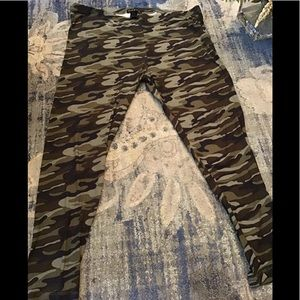 NWT PlusSize Buttery Soft Camouflage Legging Pants